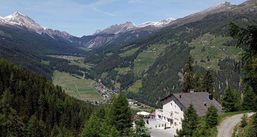 Gasthaus Alpenrose Plattatschas - Santa Maria Val Müstair - Andet