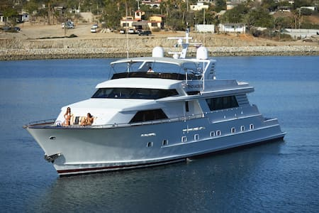 Cruise Cabo on a Luxury Yacht - Tijuana - Boot