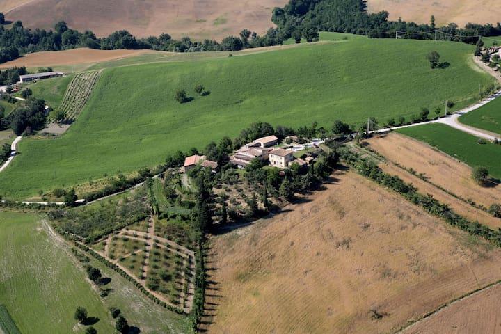 Casa in campagna (collina) a 8 km. da Urbino - Urbino - Rumah