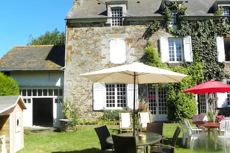 Lovely house with a large garden - Mont-Dol - House