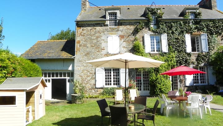 Lovely house between Mont St Michel and St Malo