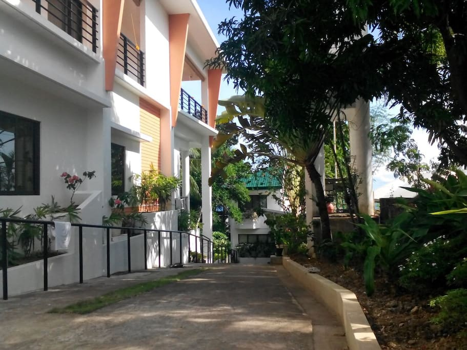 Lola's Guest House