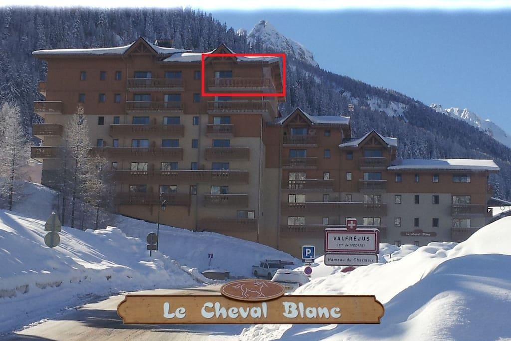 """L'appartement est au dernier étage de la résidence """"Le Cheval Blanc"""""""