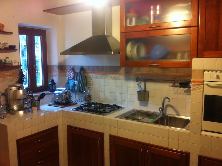 1° piano_Cucina in muratura con eletrodomestici nuovi