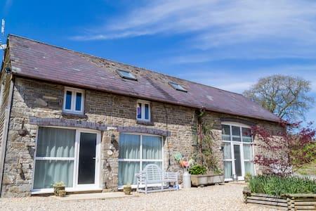 Hayloft Cottage at Cwmcrwth Farm