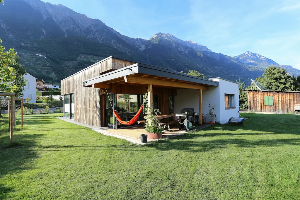 Rooms in modern house houses for rent in fully valais for Modern house for rent