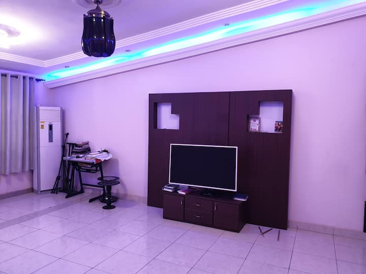 Enjoy Our self Compound - Grand Style House