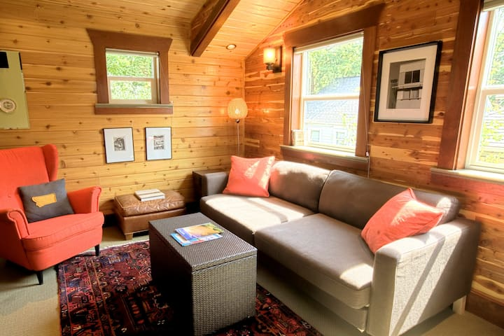 Cabin in the City - Missoula - Byt
