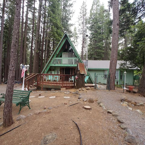 "The ""Nook"" on the Lake Almanor Peninsula"