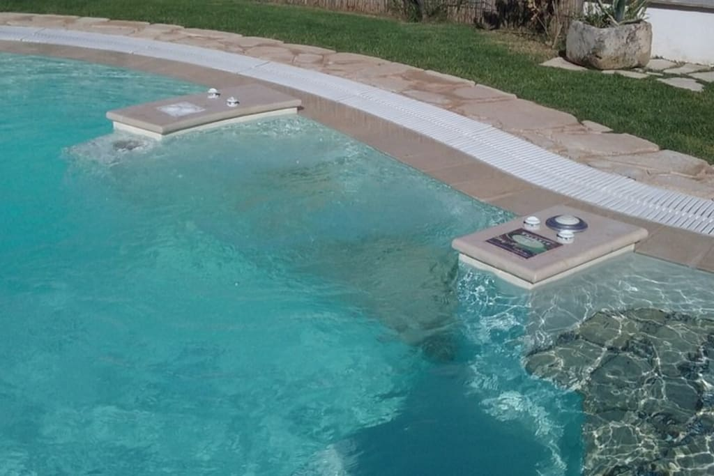 Villetta bianca con piscina vicino al mare ville in - Ville in affitto al mare con piscina ...
