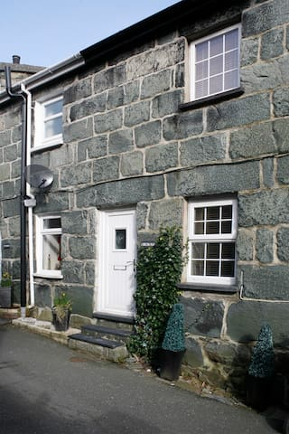1 Bron Haul Cottage -Snowdonia