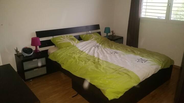 Jolie chambre, La Sarraz