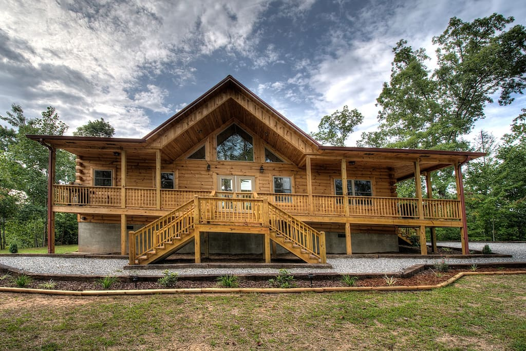 Sweet t 39 s cabin brand new luxury cabins for rent in for 8 bedroom cabins in north carolina