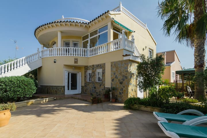 Comfortable Spacious Villa sea view - Pinar de Campoverde