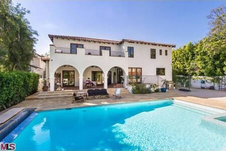 Mansion in North Beverly Hills