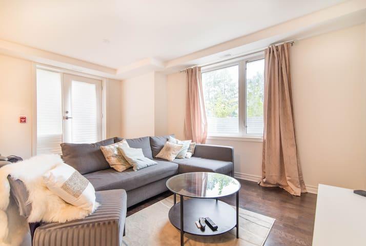 Quiet 2 bedroom + 2 FULL bath + parking - Ottawa - Apartament
