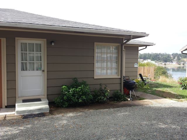 Bay Cove Cottage B - Coos Bay - Departamento