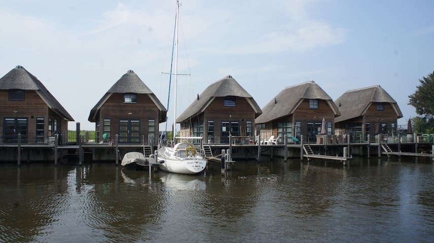 Beautiful Watervilla - De Heen