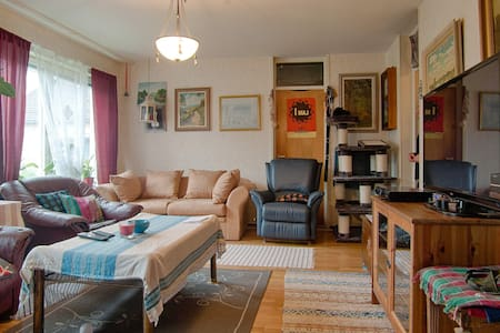 Our welcoming home awaits you. - Haninge - Bed & Breakfast