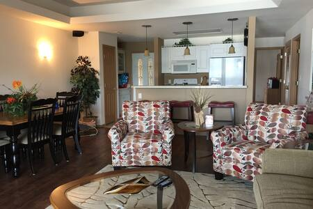 WOW! Best location on the lake! - Lake Ozark - Appartement en résidence