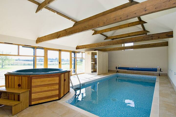 Owl Cottage - Luxury Self Catering with Pool
