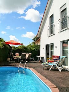 Wellness Oase mit Swimming Pool - Landsberg am Lech - Hus