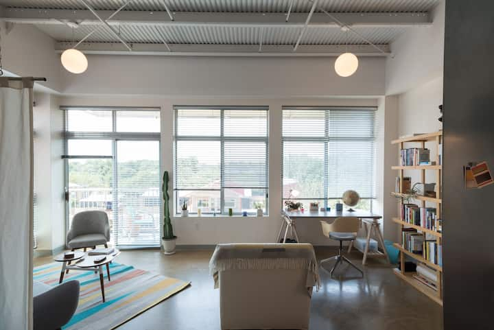 Bright & Modern East Austin Studio