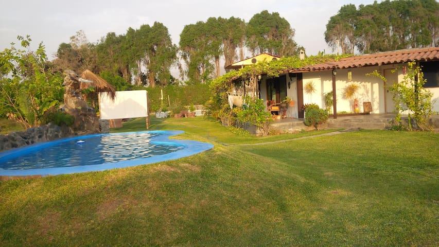 Casa de campo cerca a lima , piscina bungalow,disc - Lima - Dom
