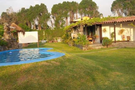 Casa de campo cerca a lima , piscina bungalow,disc - Lima - Rumah