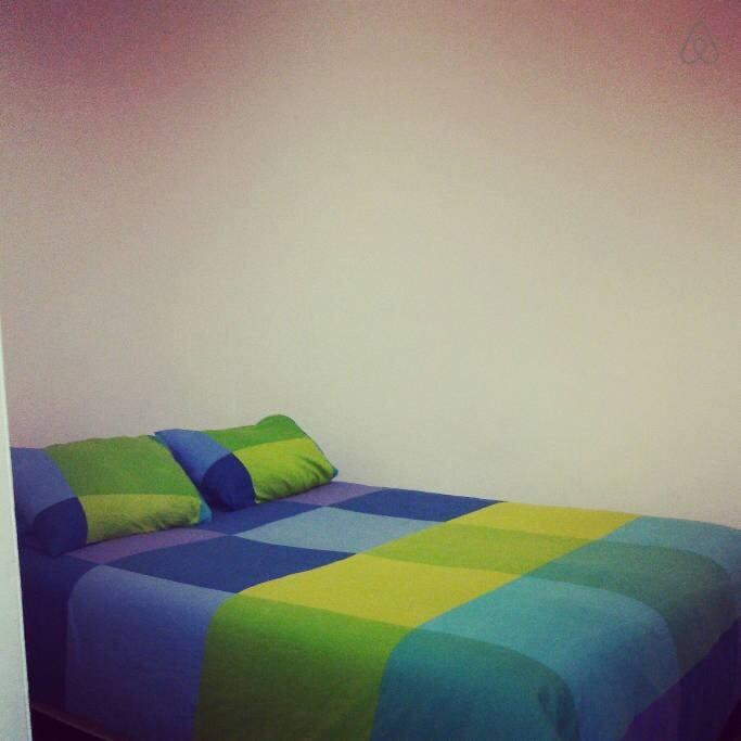 Stanza camera a sagrada famiglia appartamenti in affitto for Stanza in affitto barcellona
