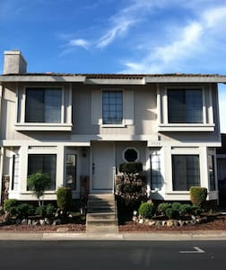 NICE 4-BD HOUSE FOR SUPER BOWL 50! - San Jose - Hus
