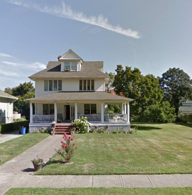 Big House Close To The Beach