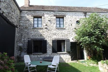Maison de charme dans les Yvelines - Guerville