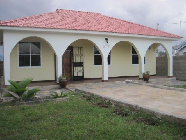 Villa i Tanga Sahare  plott no. 377