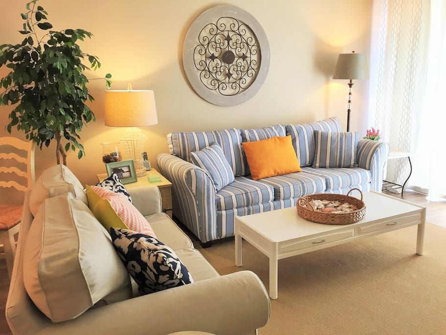 Relax in this comfortable, bright and airy great room