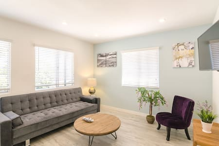 BRAND NEW 1BD STEPS TO BEACH  - 3 - Los Angeles - Apartment