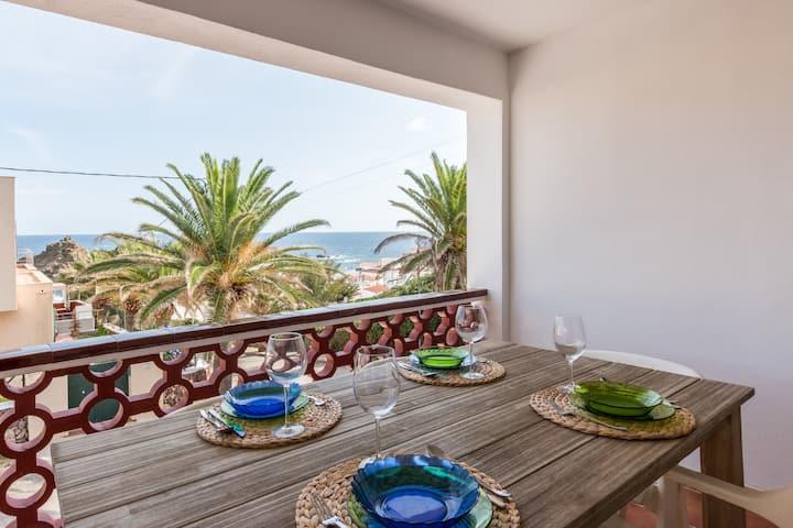 Beach apartment, sea view