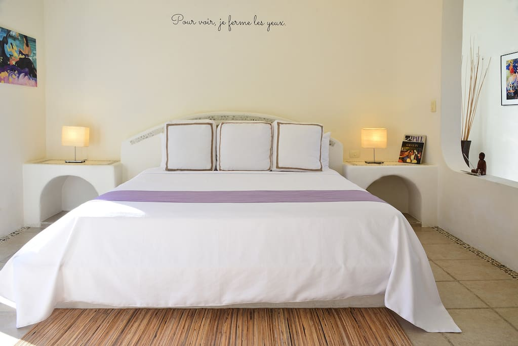 Enjoy a large and comfortable king bed with soft linens of Egyptian cotton sheets, perfect to rest well and be prepare for the Tulum Magic experience.  Keep watching the photos and you will see this bed's view!