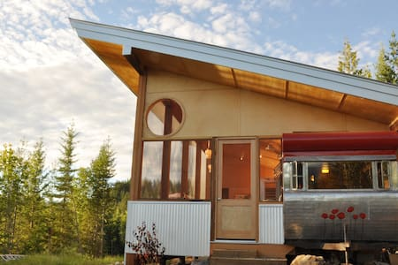 Tin Poppy - Winter glamping in the Larch Hills BC - Salmon Arm - อื่น ๆ