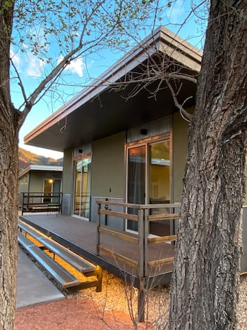 """Nama-Stay Cabin's 5/8 """"NEW"""" Zion National Park"""