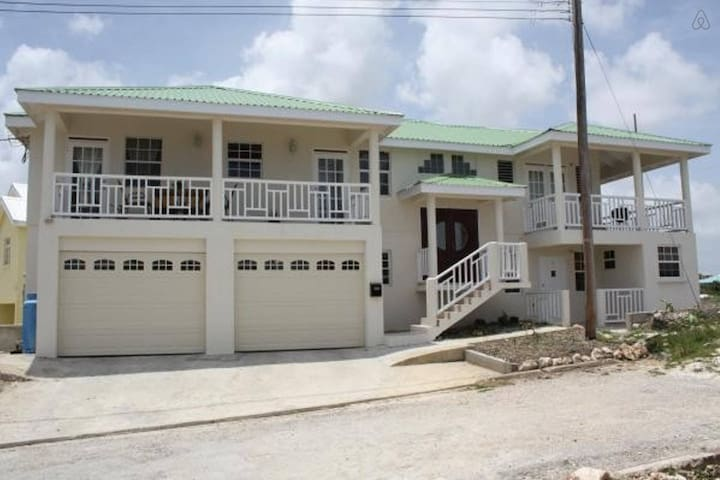 1 Bedroom Apt, Kingsland Heights, Ch Ch, Barbados