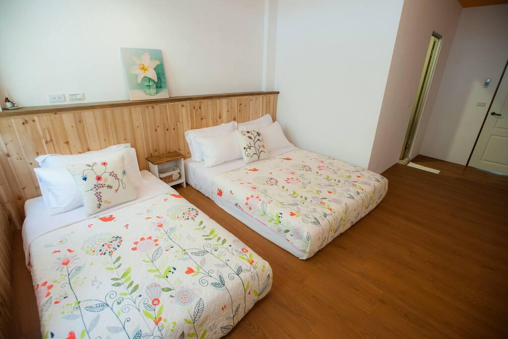 雙人房+加大單人床