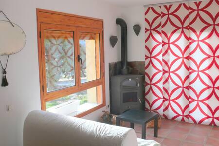 Pueblo mediaval  prepirineo Huesca - Tolva