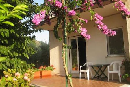 Apartment holiday rental in a villa - Frosinone - Apartmen