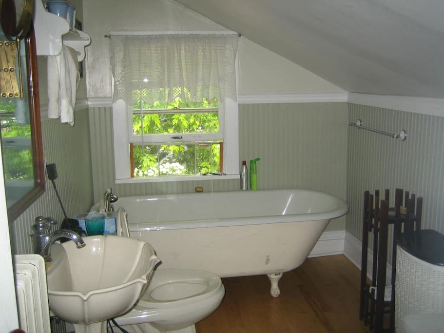 private u[pstairs bathroom with tub (shower is downstairs)