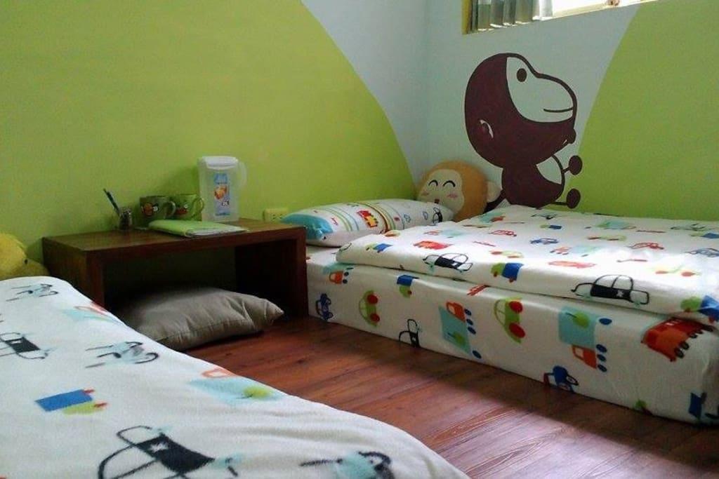 二張單人床