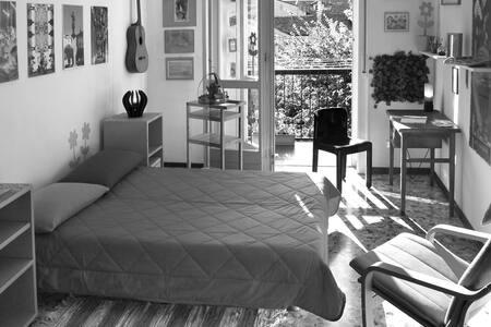 Camera con bagno in centro a Casale - Casale Monferrato
