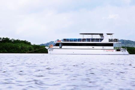 Champion's Seabreeze luxury Yacht in Goa - Panjim - Boat