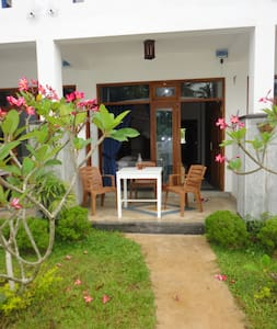 Boutique Affordable Accommodation For Three - Mirissa