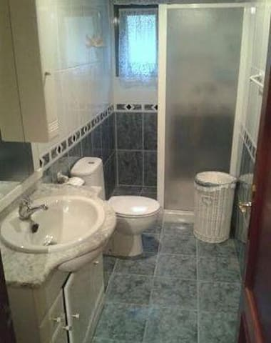 Piso Pravia ideal para dias sueltos - Pravia - Appartement